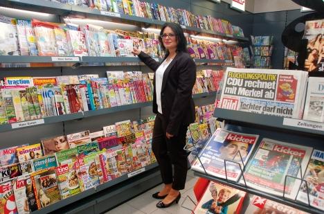 Vorjahressiegerin Diana Meier in ihrem Tabakshop Meier